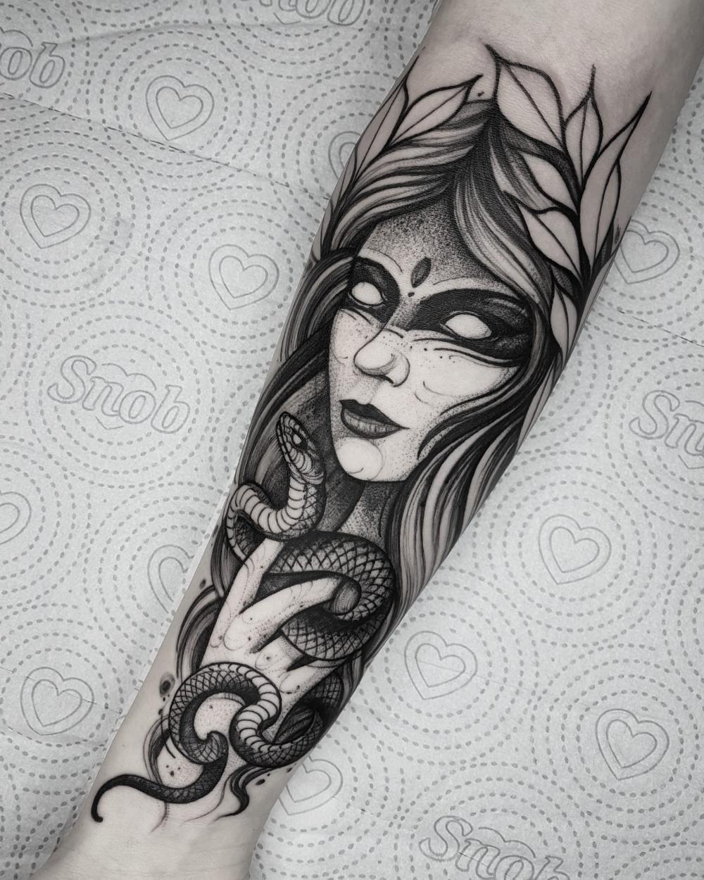 25 tatuadores brasileiros que fazem tatuagens em Blackwork - Blog Tattoo2me
