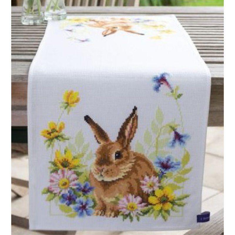 Stickpackung Tischläufer Hase im Blumenbeet, gezählter Kreuzstich ...