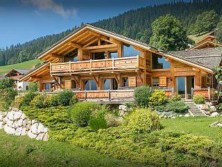 La Clusaz, Chalet De Vacances Avec 7 Chambres Pour 22 Personnes. Réservez  La Location