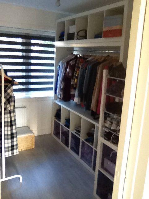 Inloopkast gemaakt van Expedit Ikea kasten   Eigen huis   Pinterest   Bedrooms and Interiors