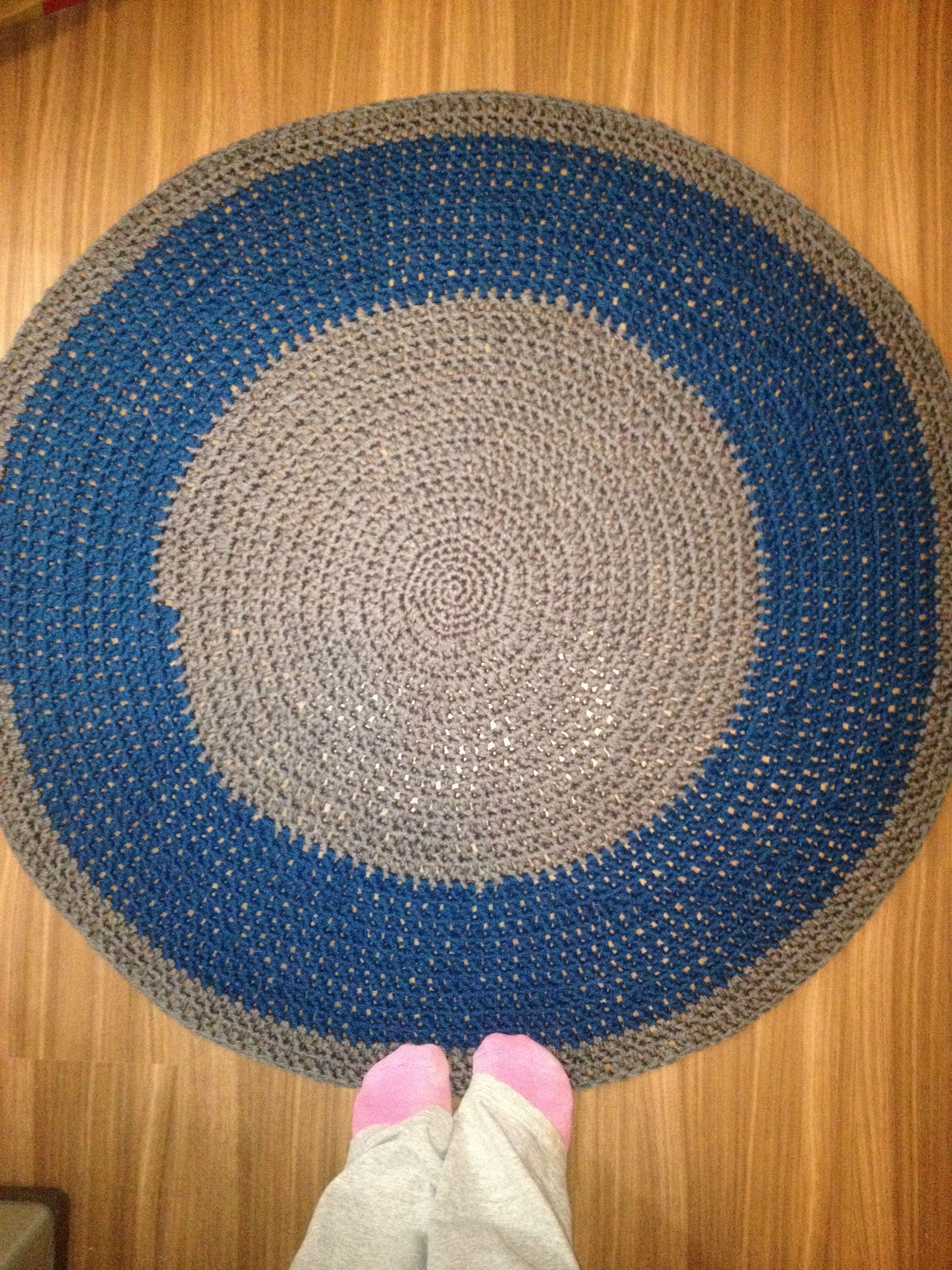 Mi primera alfombra a ganchillo!! My first rug on crochet!!! Yeiiiii Flory Isea!