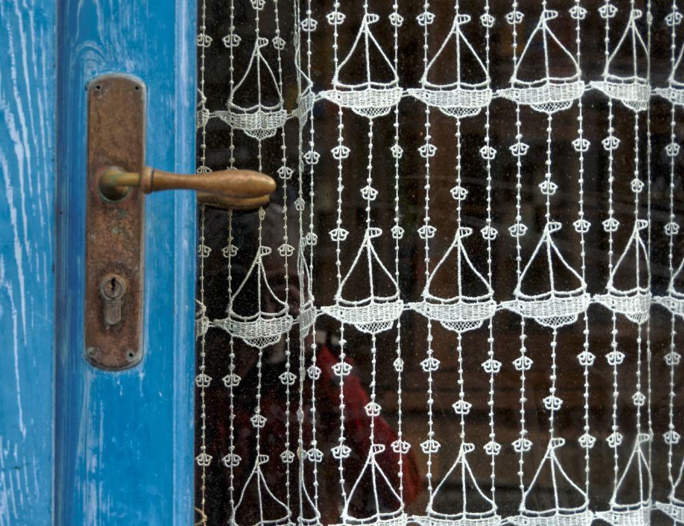 porte rideau rideau de dentelle dentelle bateau dentelle bretonne bretagne finist re. Black Bedroom Furniture Sets. Home Design Ideas