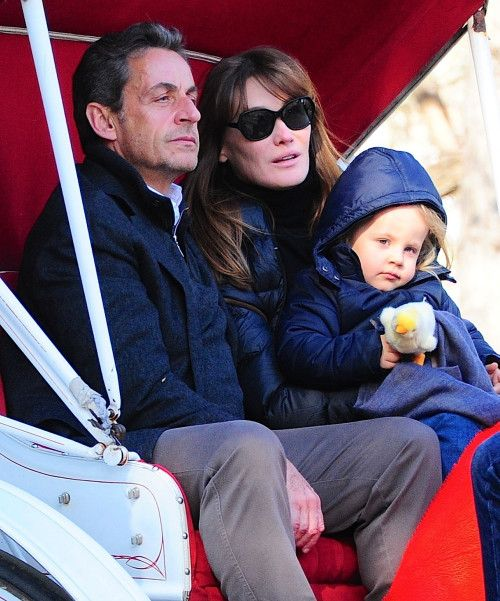 Nicolas Sarkozy Carla Bruni Carriage Couple Znamenitosti Zvezda
