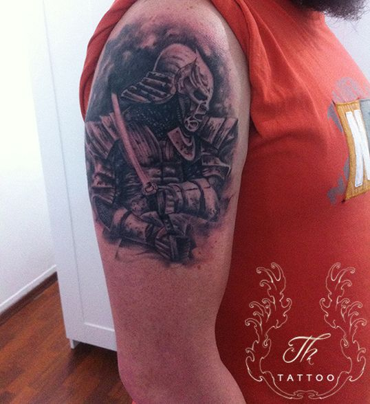 Ronin Tattoo _samourai_arm_man_tatuaje_baieti_bucuresti_salontatuaje_model