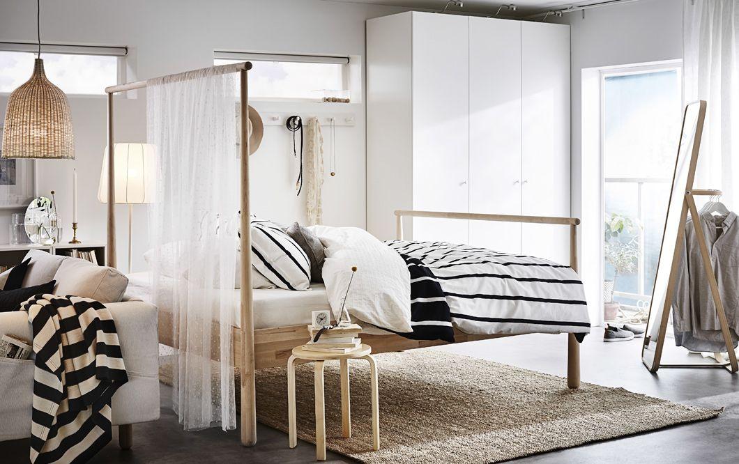 Raumteiler Schlafzimmer ~ Ein schlafzimmer mit gjÖra bettgestell in birke dessen kopfteil