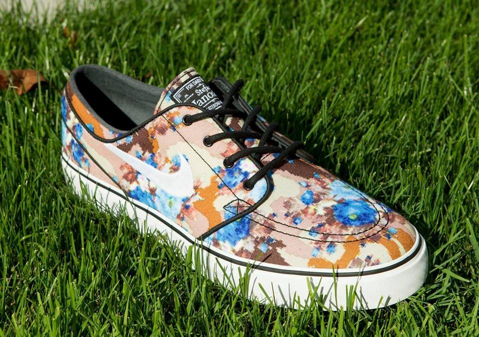 Nike Janoski Floral Blue