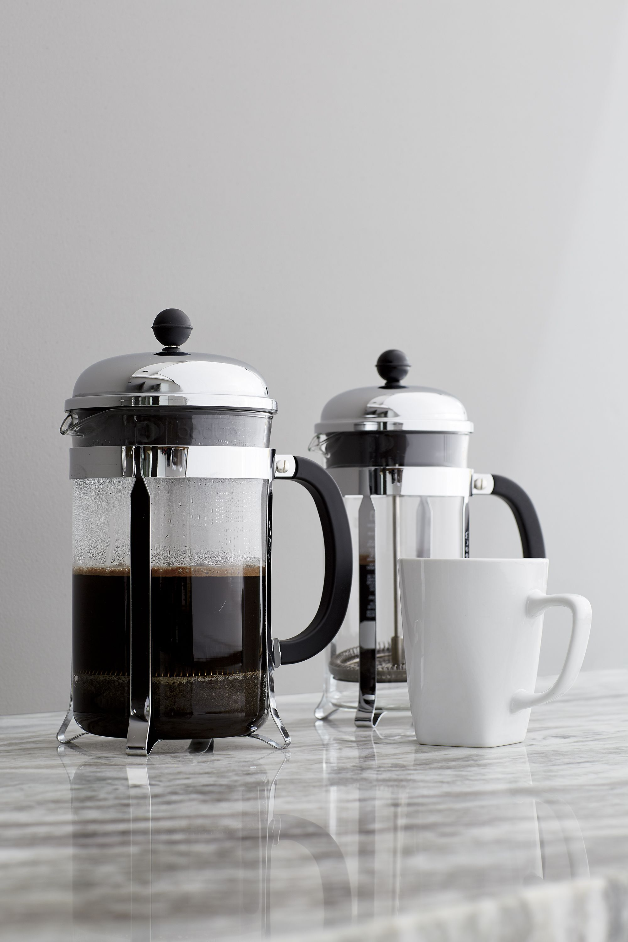 die besten 25 french press coffee maker ideen auf. Black Bedroom Furniture Sets. Home Design Ideas