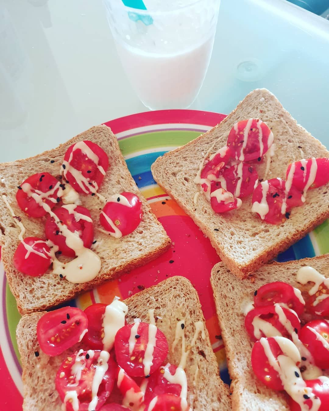 #preworkout #kefir #chunkyflavour #tomate #healthyfood #almondbutter #vollkorntoast #avocado #protei...