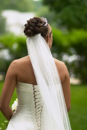 Here Is A Great Shot Of The Back View Bride Showing How To Attach Veil Underneath Bun Or Curly Updo Gathered And Might Be Attached
