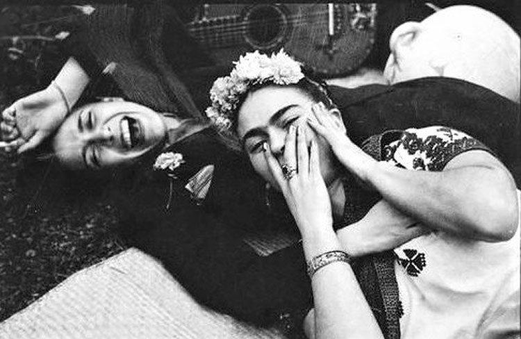 Frida y Chavela Vargas | Tina modotti, Frida y chavela, Frida kahlo