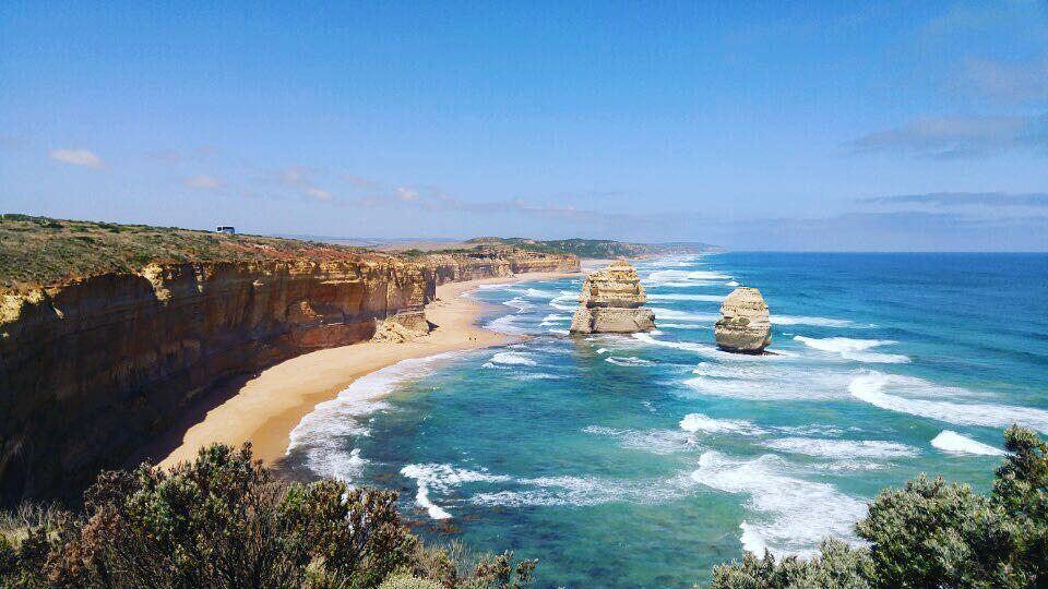 방금 보내온 따끈따끈한 사진한장  . . #Australia #melbourne #greatoceanroad  #beach #sea #trip #journey #travel #여행 by yoojingram__