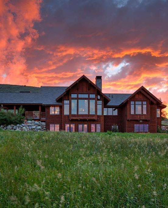 Own A Piece Of The Montana Dream With This Amazing 160 Acre Ranch Boasting Expansive And Unobstructed Vi Mansions For Sale Montana Mountains Luxury Real Estate