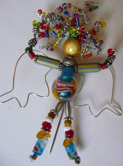 I love this Angel beaded brooch by threesistersharvest. So colorful and ready to enjoy <3 :)