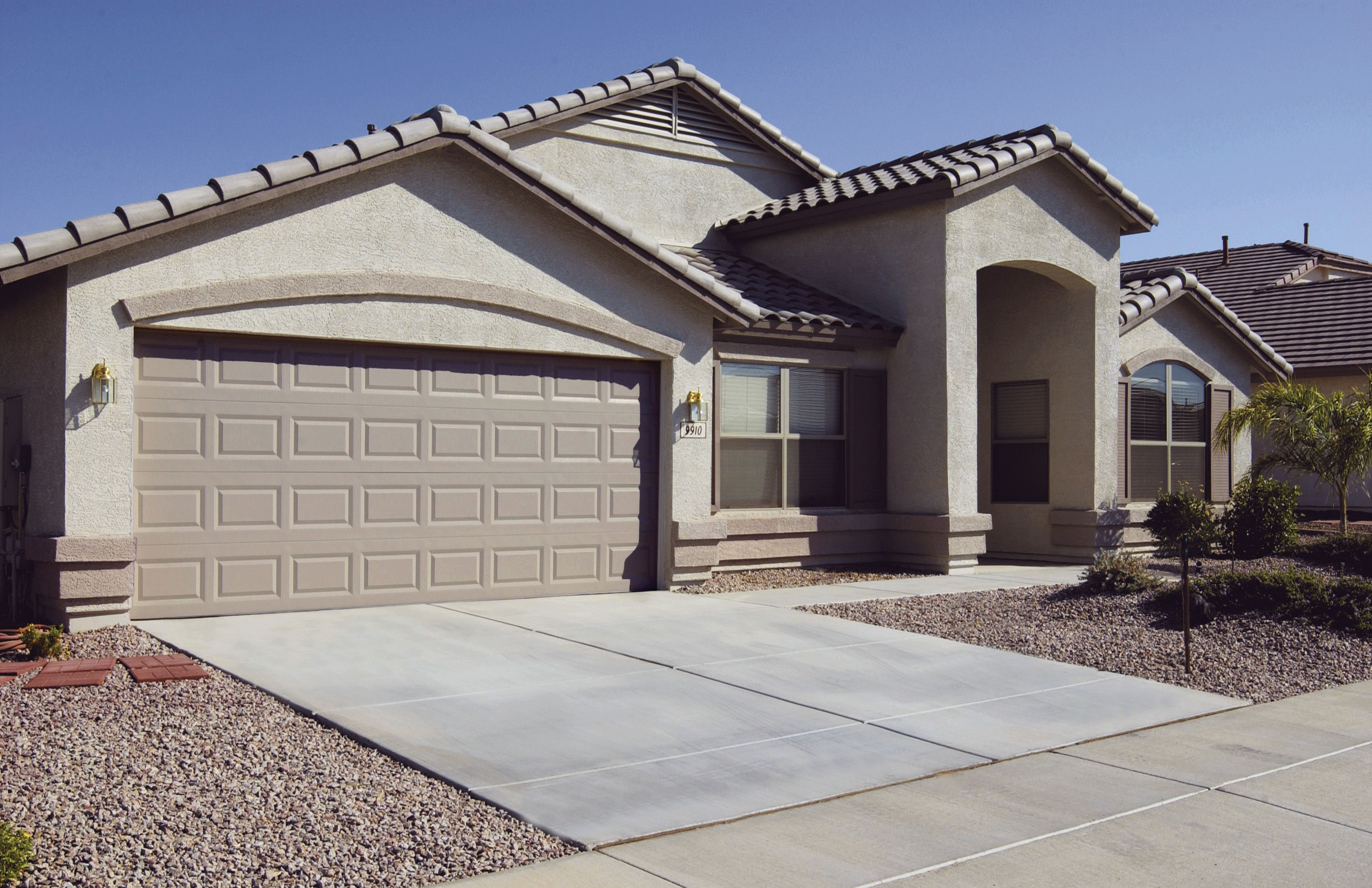 Pin By Banko Overhead Doors Inc On Residential Garage Doors Residential Garage Doors Garage Doors