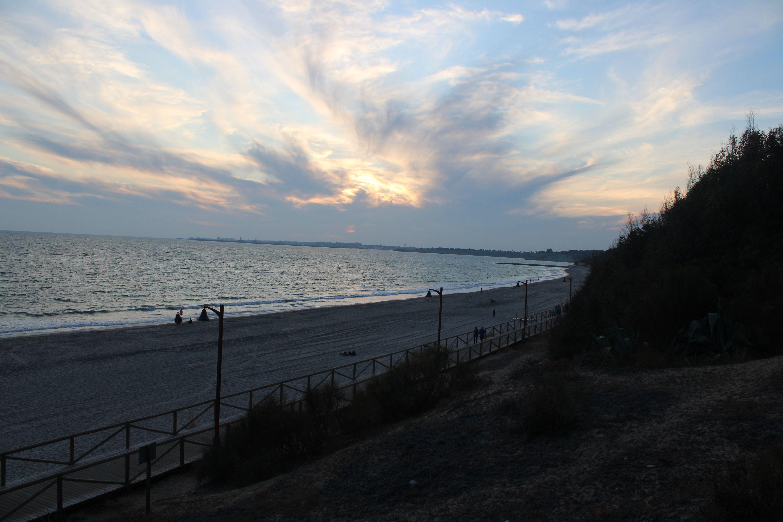 atardecer en la playa de el ancla en El Puerto de Santa María