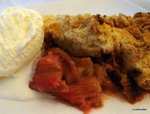 Rhubarb Cobbler - Lovefoodies hanging out! Tease your taste buds!