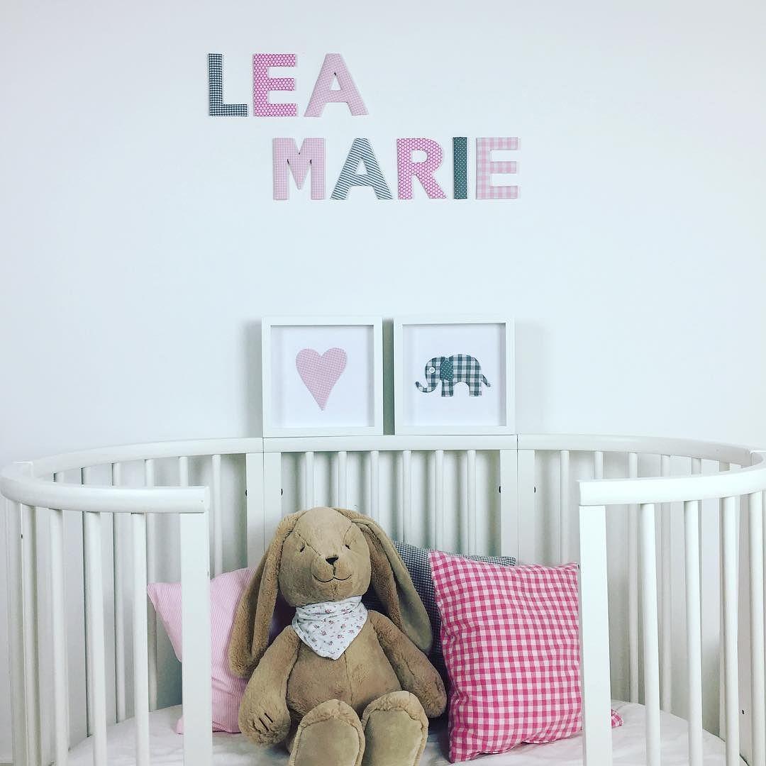 stoffbuchstaben lea marie in rosagrau und stoffbild herz