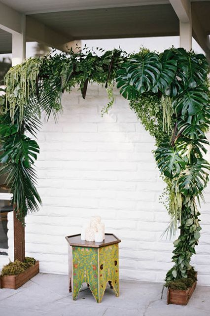 Take A Five-Minute Getaway With This Lush, Tropical Wedding Inspo #refinery29  http://www.refinery29.com/100-layer-cake/58#slide-6  Venue: The Amado.