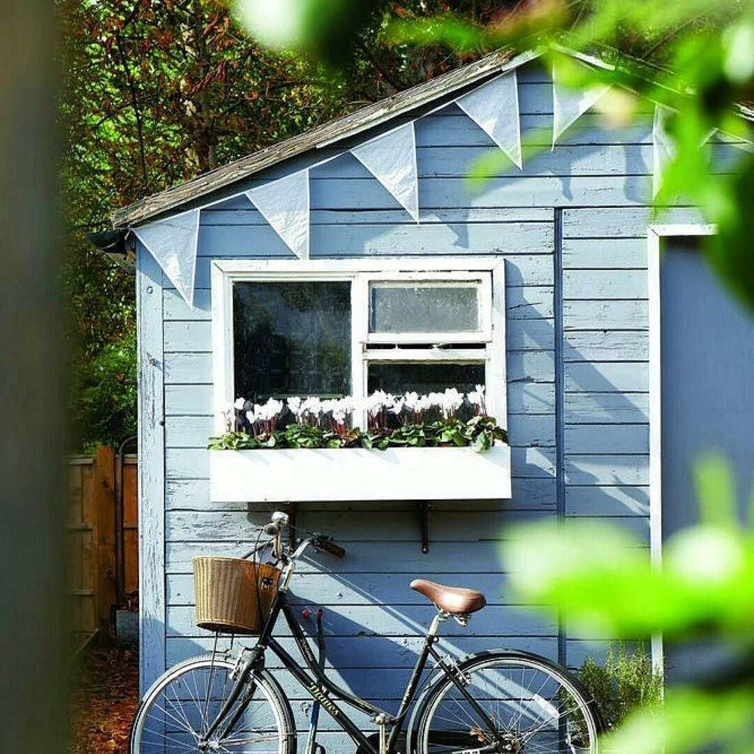 Para iniciar o domingo uma cabana fofa na Inglaterra  Um dia abençoado pra vocês!