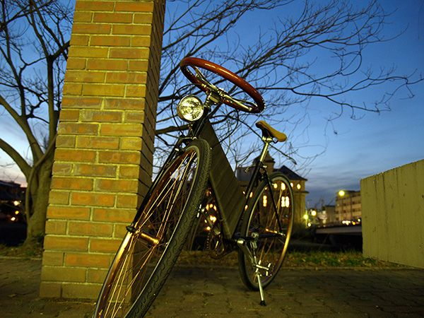 Designed by Japanese studio Taphonomy, the 'Angel Cycle' is a bicycle made out of recycled shopping carts and bicycles, and has a steering wheel for a handlebar. The steering wheel is recycled from a salvaged car !!