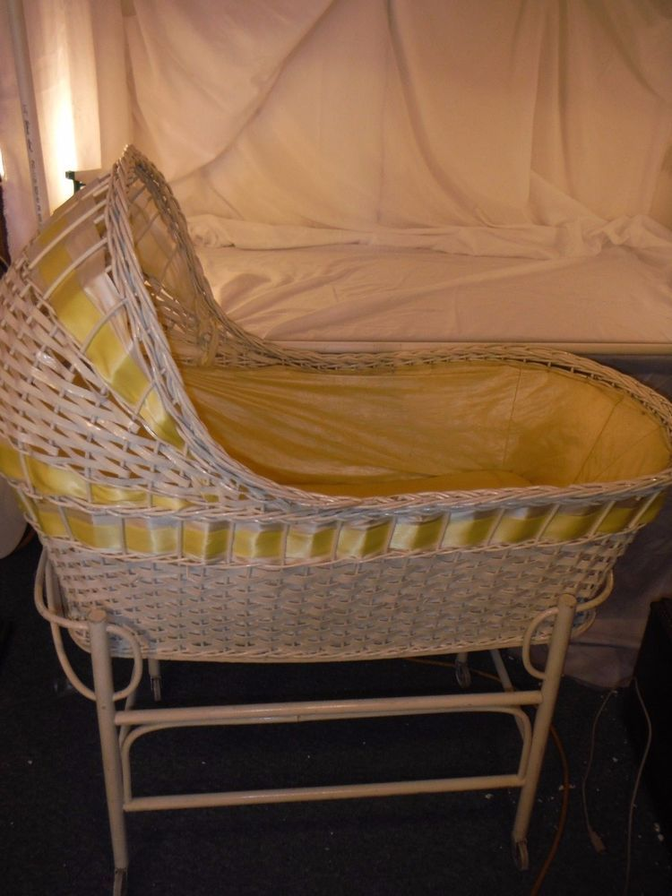 Merveilleux Vintage Wicker Baby Bassinet In Baby, Nursery Furniture, Bassinets U0026 Cradles