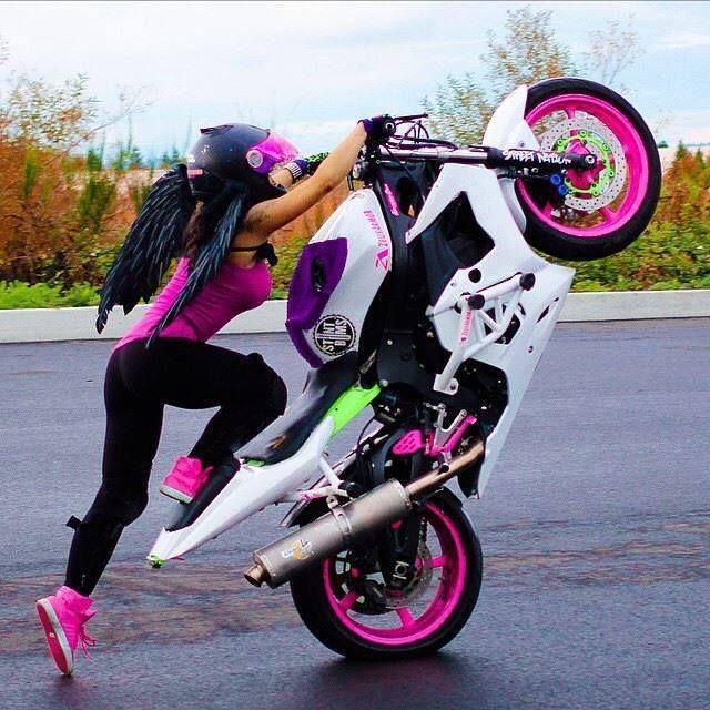 #Angel woman riding #motorbike – Kobieta na motorze – #motor #pink #róż