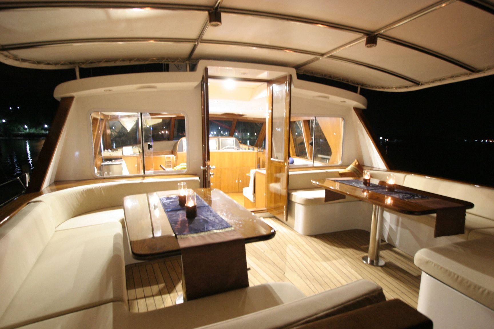 small yacht interiors - Google Search | Luxury yacht ...