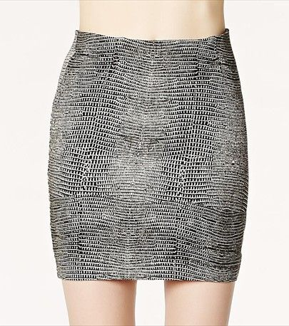 This snake print mini skirt is the on-trend way to work this pattern into your wardrobe.