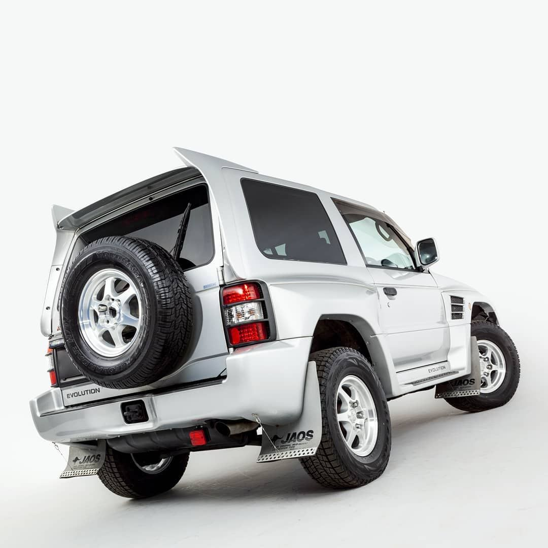 4 Star Classics On Instagram Our Satellite Silver Pajero Evolution Has Driven Just 34k Miles From New And Presents In Exc In 2020 Evolution Mitsubishi Pajero Classic