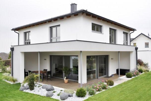 Hausbau ideen mit garage  Bildergebnis für walmdach | Garage Flachdach | Pinterest ...