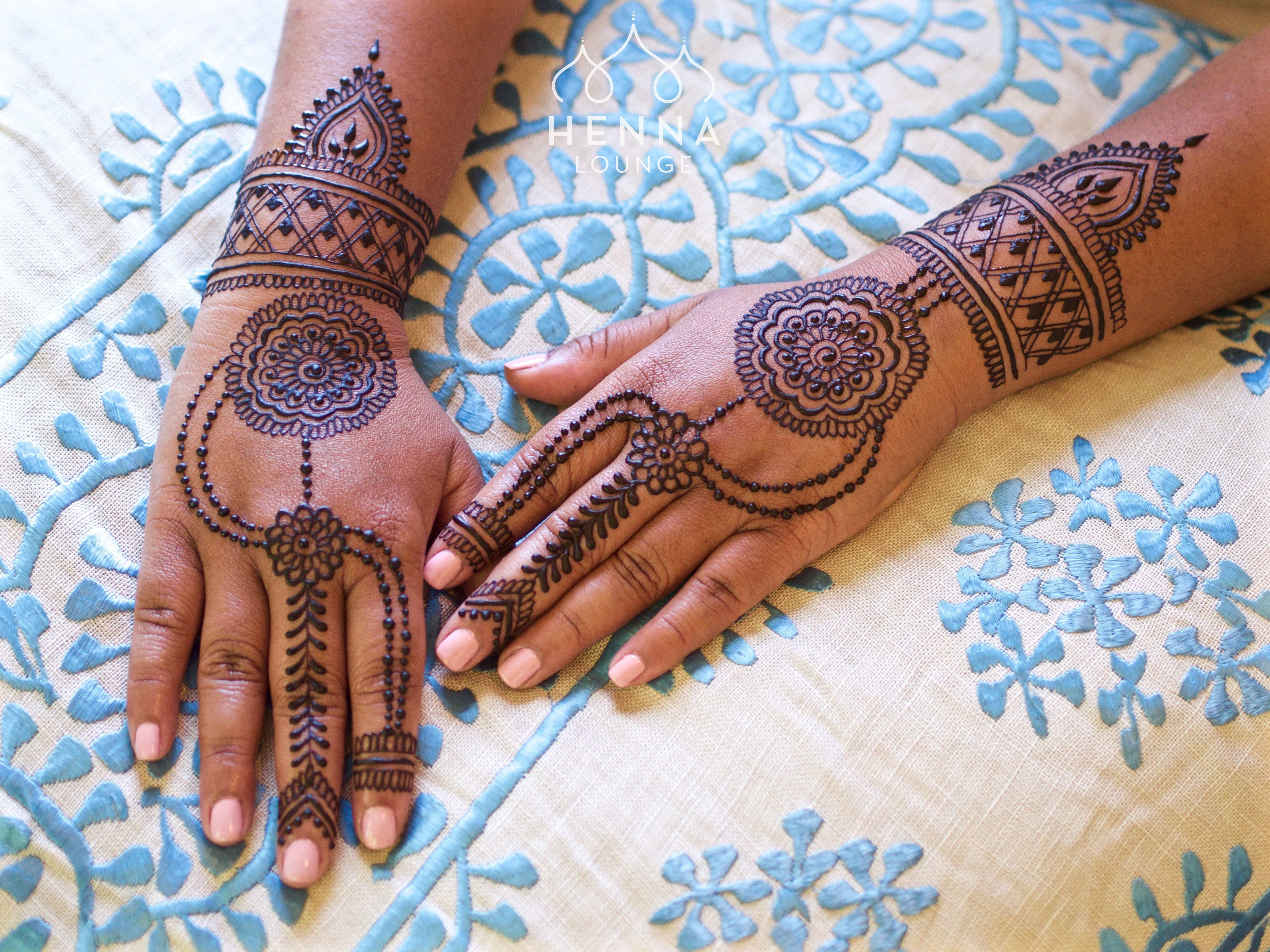 Mehndi For The Inspired Artist : Double duty eid and bridesmaid henna for a friend who is also