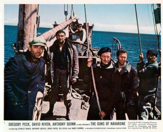 f David Niven, Gregory Peck, Anthony Quinn and Anthony Quayle in The Guns of Navarone (1961)