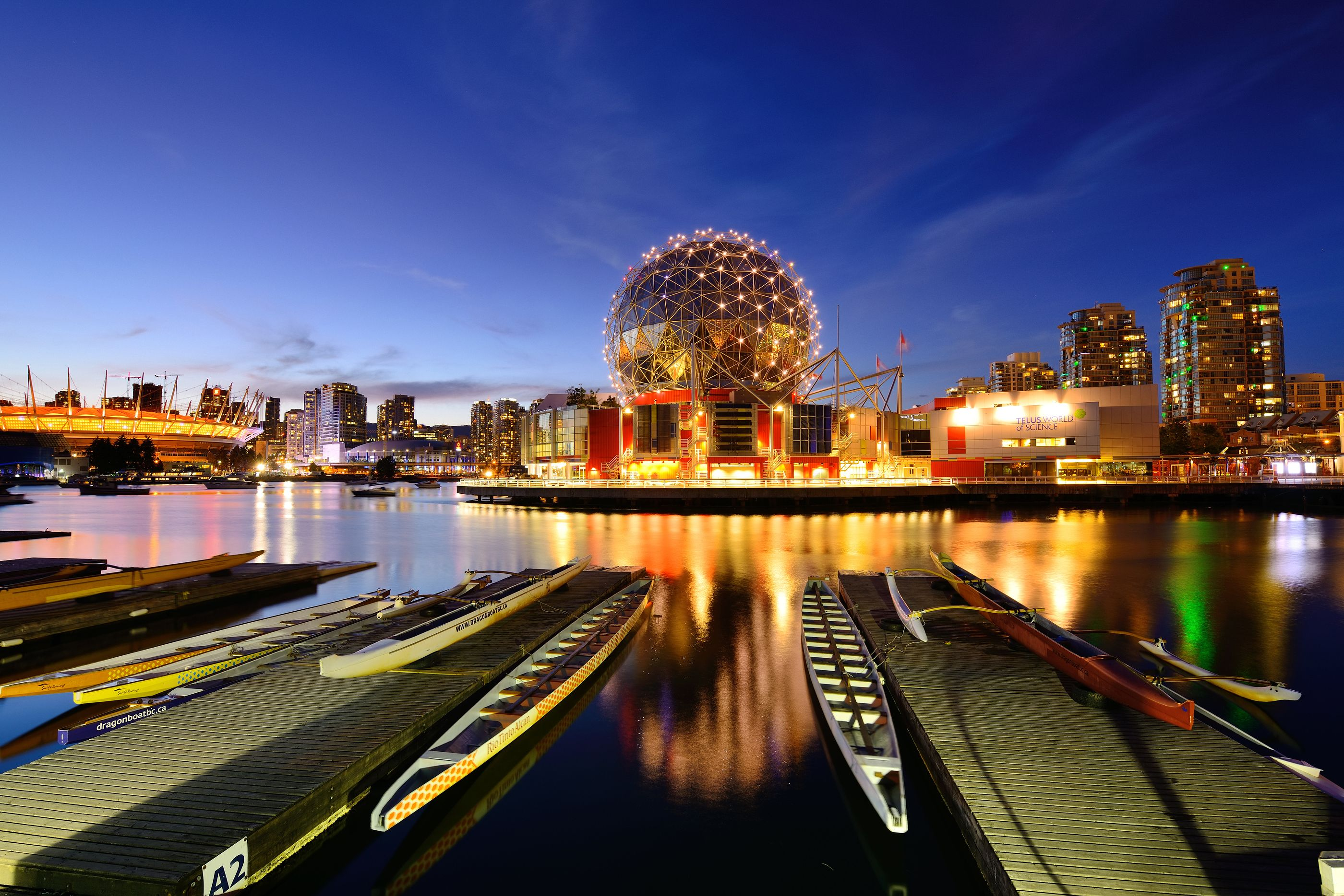 Stunning view of the most happening city in Canada. Book