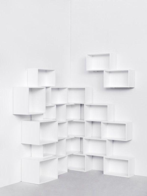Cubit Pour Construire Des Bibliotheques Et Des Etageres Etagere Angle Idees Etageres Etagere Deco
