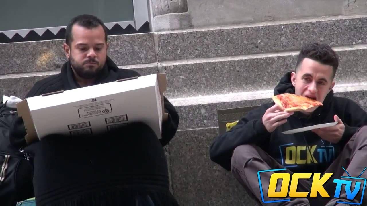 Eles deram uma pizza a um morador de rua. O que ele fez, o diferenciou d...