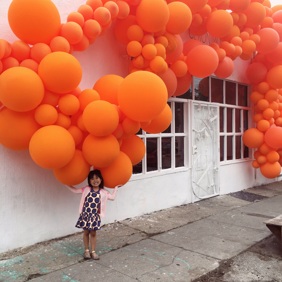 Orange balloons art installation by jihan zencirli of for Balloon decoration los angeles