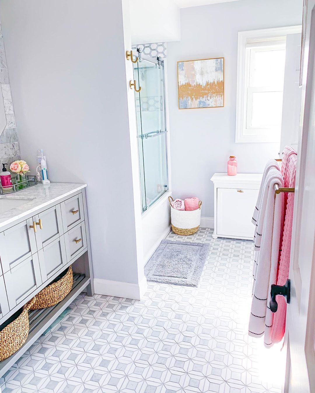 Alexandra Beuter On Instagram If You Saw Yesterday S Video You Know My Bathroom Did Not Wake Up Like This Tak Home Interior Design Home Decor Home