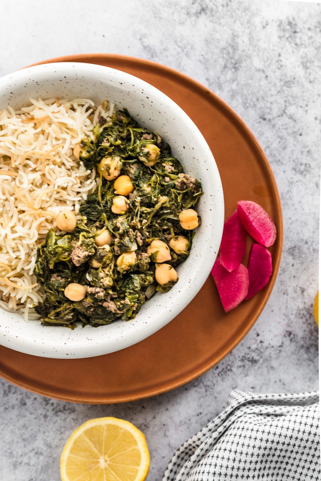 Lebanese Spinach Stew In 2020 Spinach Recipes Healthy Ground Beef And Spinach Ground Beef Stews