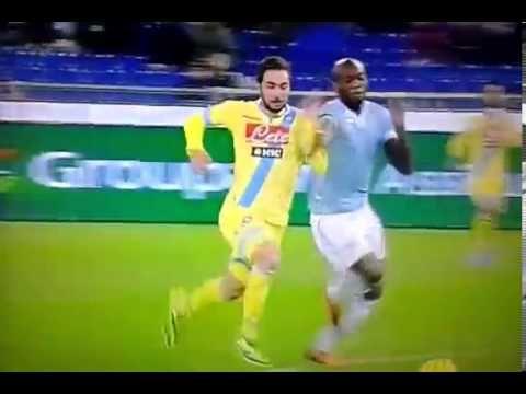 Il Napoli torna a vincere in campionato! 2-4 contro la Lazio  http://tuttacronaca.wordpress.com/2013/12/02/il-napoli-torna-a-vincere-in-campionato-2-4-contro-la-lazio/
