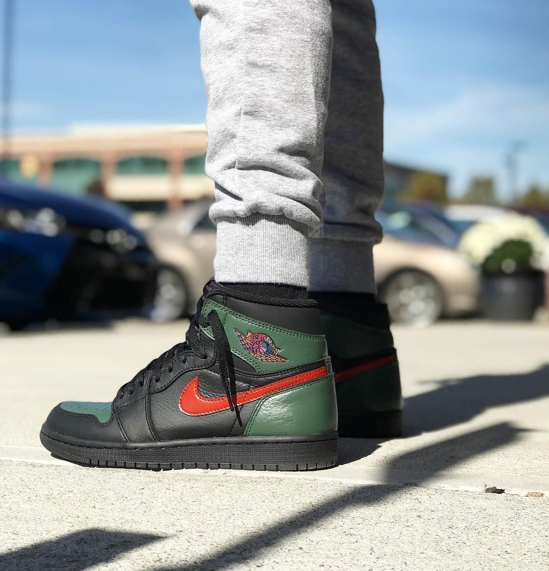 online store 67292 a9dca GUCCI Custom Air Jordan 1 High Air Jordan Sneakers, Sneakers Nike, Sneakers  Fashion,