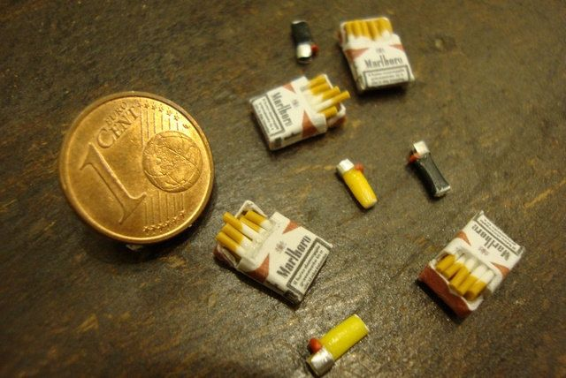 Miniature pack of cigarettes' with lighter by bagusitalyminiatures