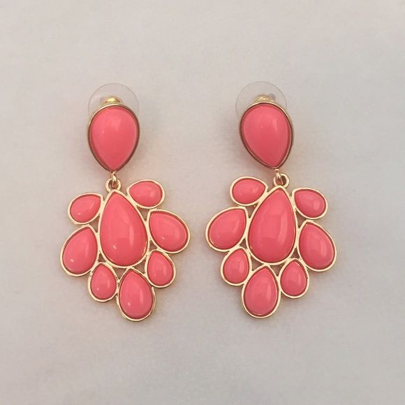 Coral Bubble Dangle Studs This super cute pair of earrings is brand new and comes gift packaged! It is a jcrew lookalike and an adorable accessory to any outfit! Very versatile and makes a perfect gift for nearly everyone! Fairly lightweight so it will not pull on your ears. J. Crew Jewelry Earrings