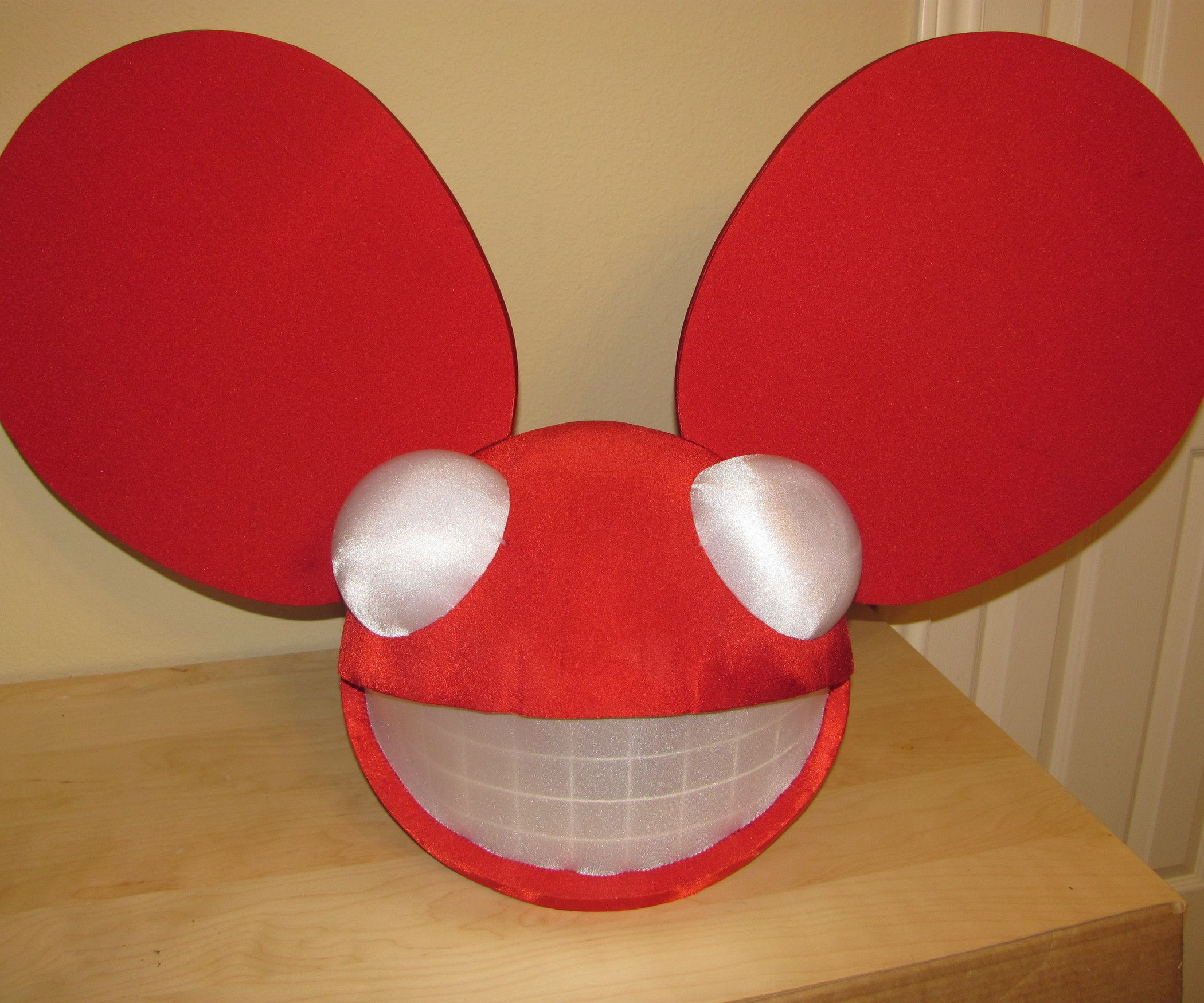 How To Build A Deadmau5 Head Deadmau5 Head Deadmau5 Costume Dead Mouse