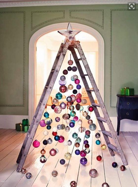 Ocho ideas para poner el rbol de Navidad sin comprar un pino real