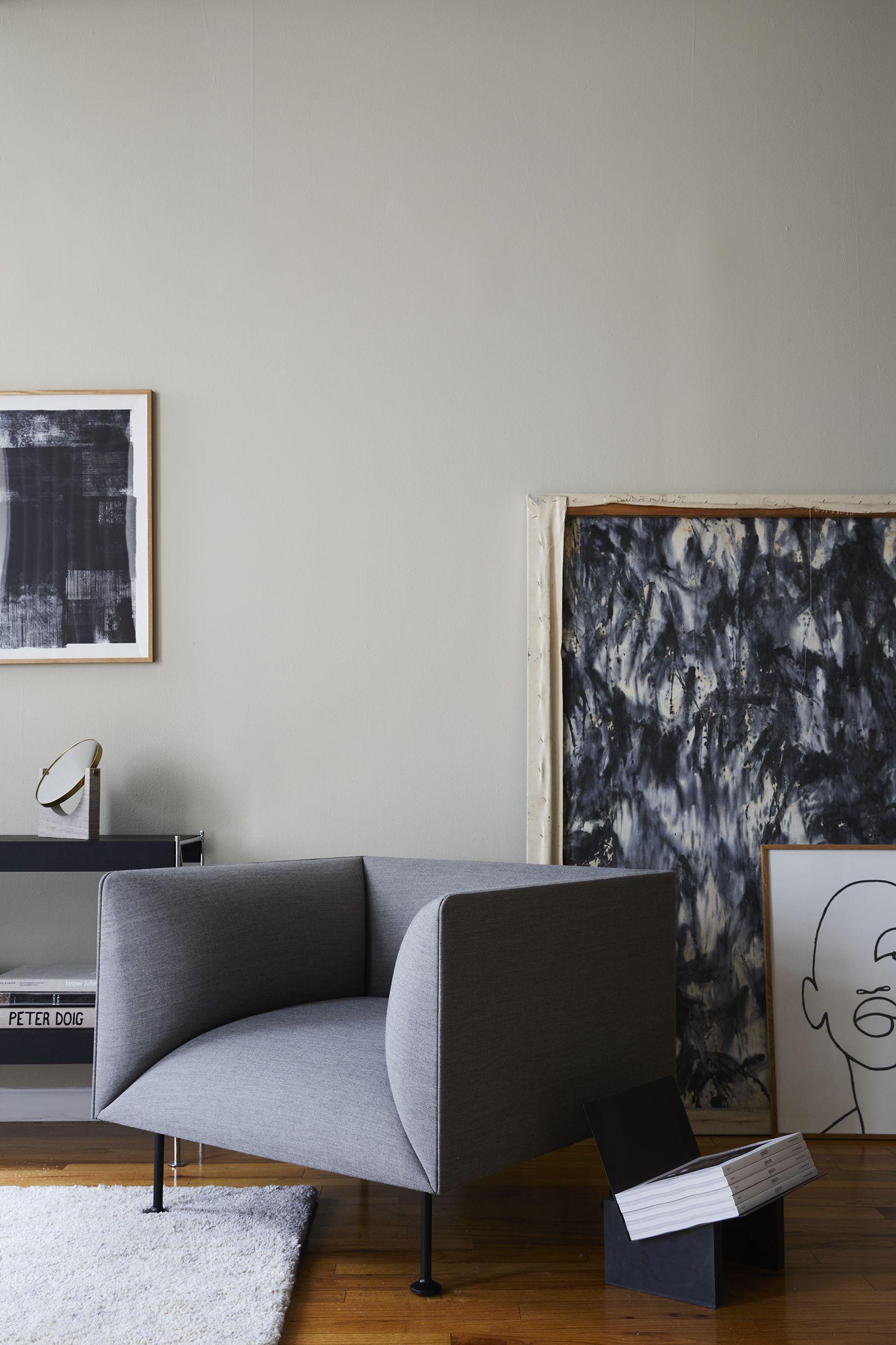 charcoal gray walls living room