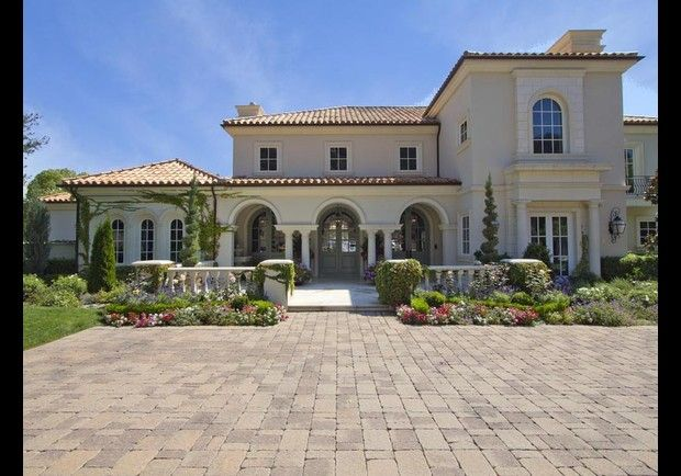 European-Style Party Haven, Thousand Oaks, California Dream Home