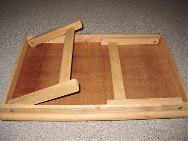 diy table with folding legs like the way these legs stow into the table and the way they use the ledge to the