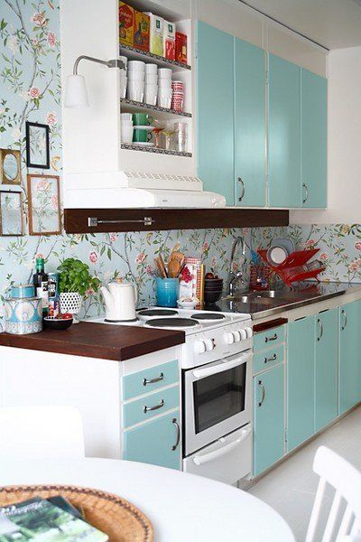 Floral Wallpaper In The Kitchen Home Kitchen Painting Cabinets