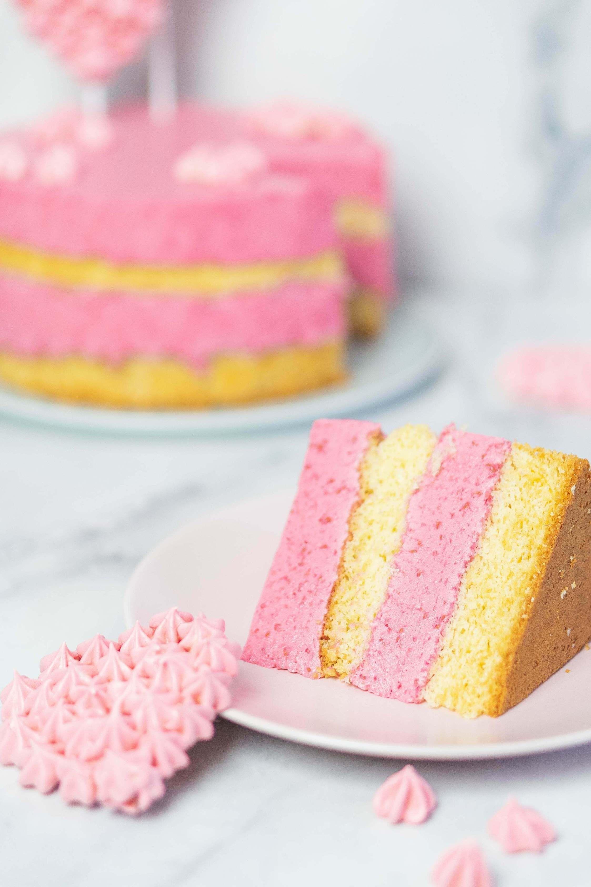 Himbeer-Sahne-Torte mit Baiser-Herzen Rezept | Mein Naschglück