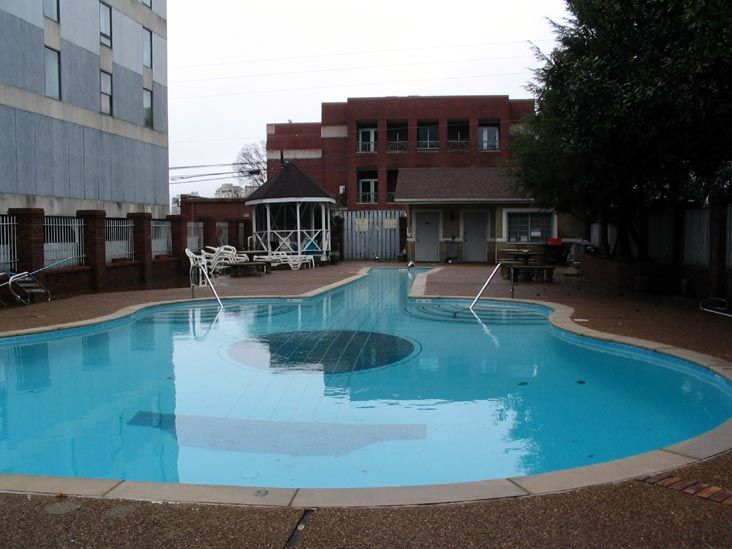 Guitar Shaped Pool The Spence Manor Hotel 11 Music Square East